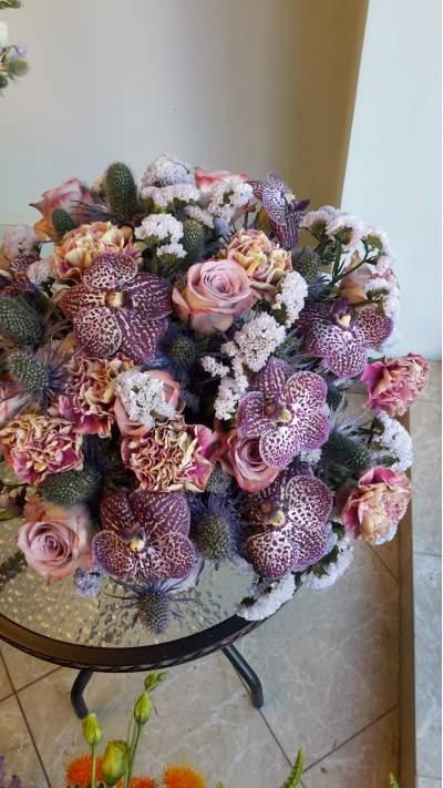 Vintažinė gėlių puokštė