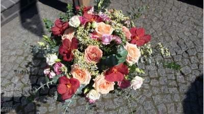 """Gėlių puokštė su """"Kapučino"""" rožėmis"""