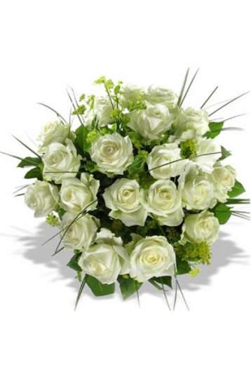 19-os baltų rožių puokštė