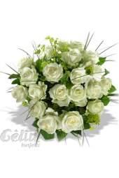 Puokštė iš 21-os baltos rožės