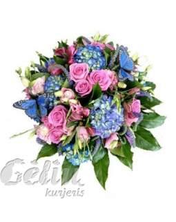 Mėlynų ir rožinių spalvų puokštė su drugeliais