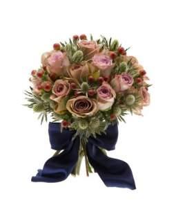 """Gėlių puokštė su """"Memory lane"""" rožėmis ir zundomis"""