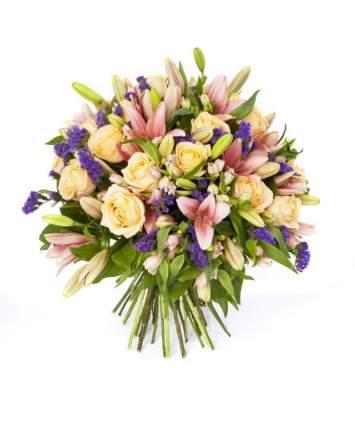 Lelijų ir rožių puokštė