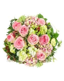 Švelniai rožinių spalvų puokštė su rožėmis
