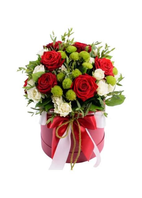 Gėlių dėžutė su rožėmis ir santini